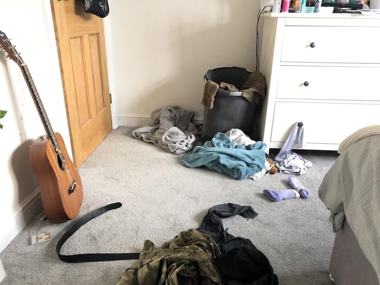 teenager bedroom floor