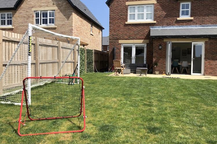 hockey goals and rebound net
