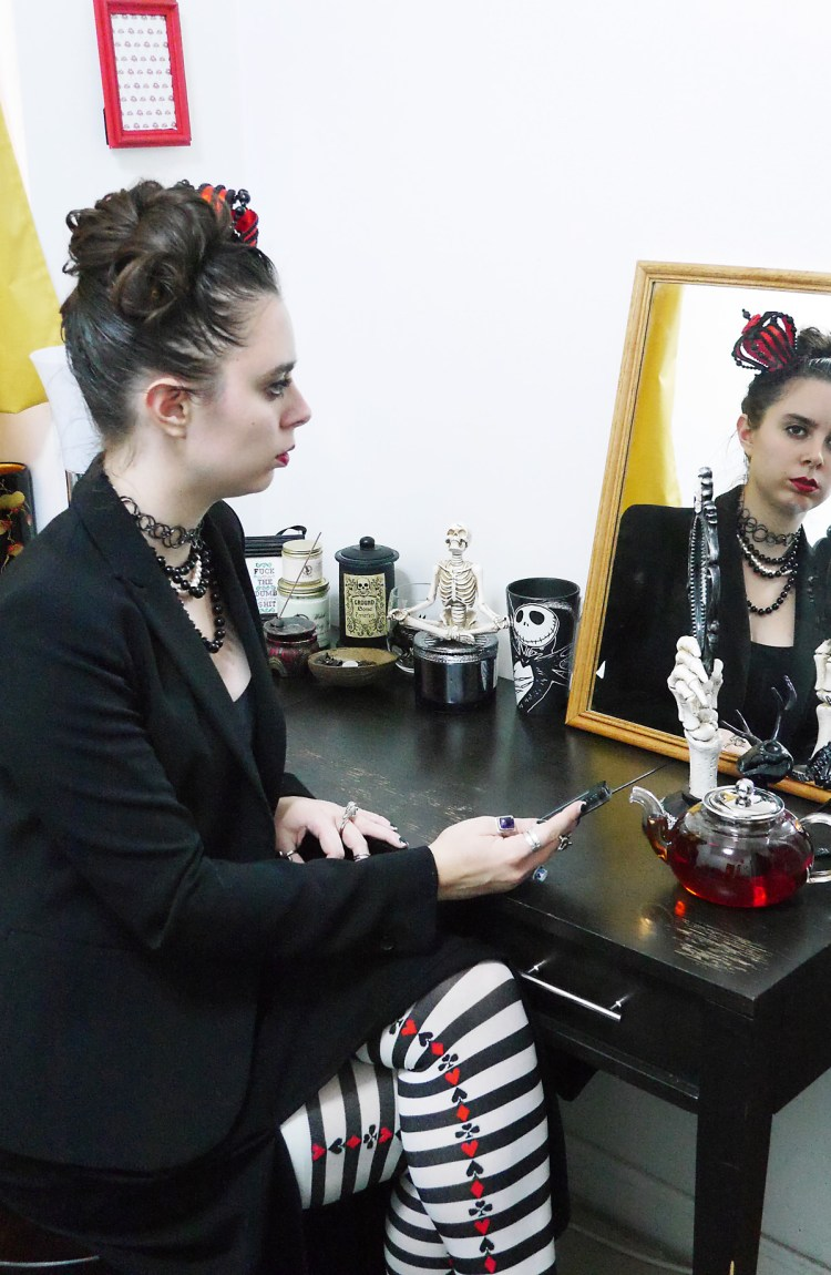 Halloween costume or everyday goth? || WhoWearsWho.com