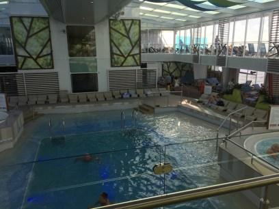 Falls es draußen mit dem Wetter nicht so richtig geklappt hat, konnte man auf den Indoor-Pool ausweichen.