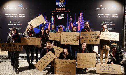 Cientos de personas se unen a 'La Noche Sin Hogar' en Madrid