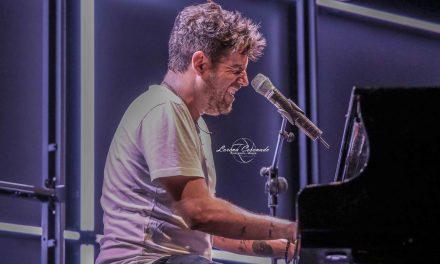 Piano, voz, Sevilla y Pablo López