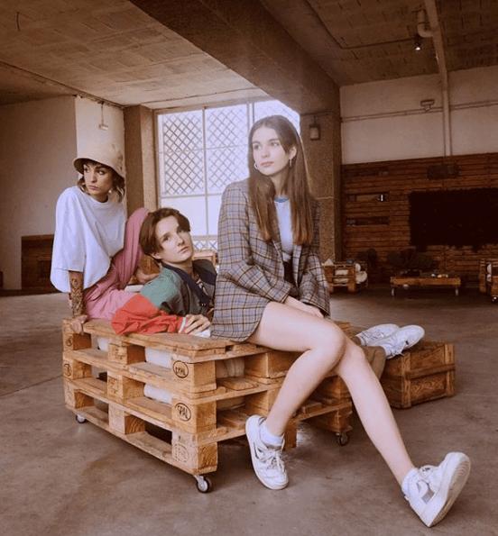 """Natalia Lacunza se une al grupo francés VIDEOCLUB en """"Enfance 80"""""""