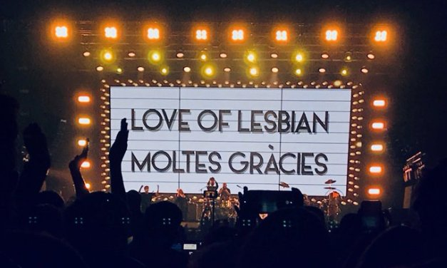 Love of Lesbian reúne a 5.000 personas en el primer gran concierto masivo sin distancia social
