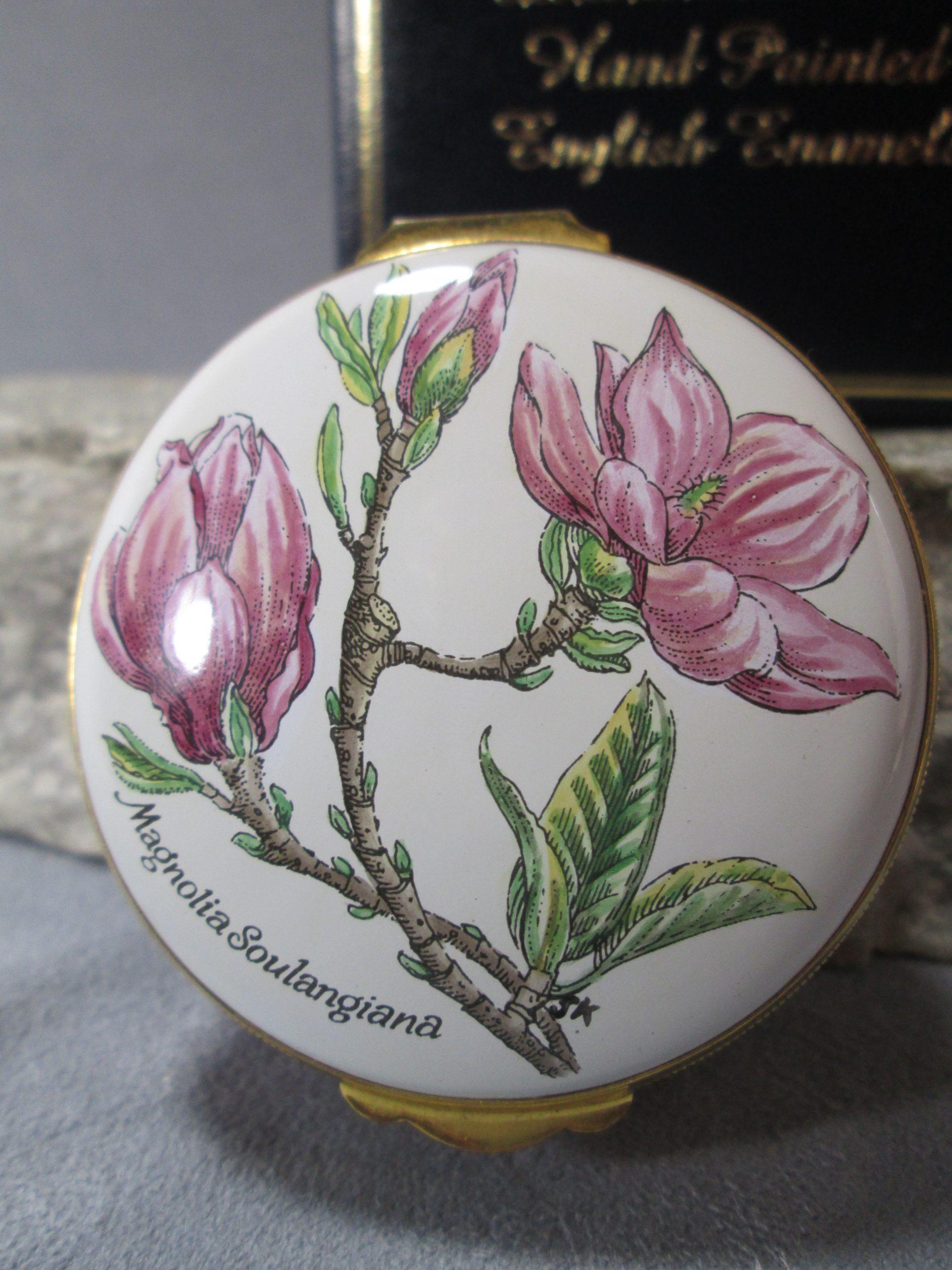 Crummles Enamel Magnolia