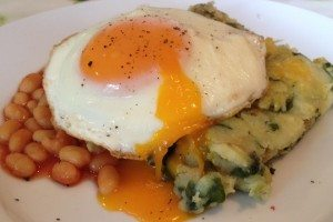 Spinach potato bake with egg