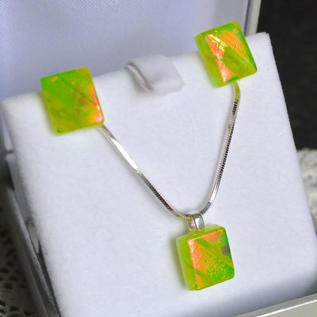 Wickstead's-AWDesignsUK-Lime-Green-&-Orange-Dichroic-Glass-Stud-Earrings-&-Pendant-Necklace-Jewellery-Set (4)