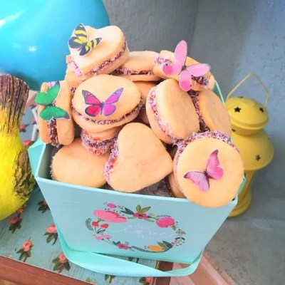 Wickstead's-Eat-Me-Customer-Photo-of-our-Edible-3D-Mini-Multicoloured-Butterflies