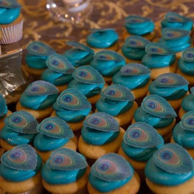 Wickstead's-Eat-Me-Customers-Photos-of-our-Peacock-Feathers-on-a-Wedding-Cake-and-Cupcakes-(1)