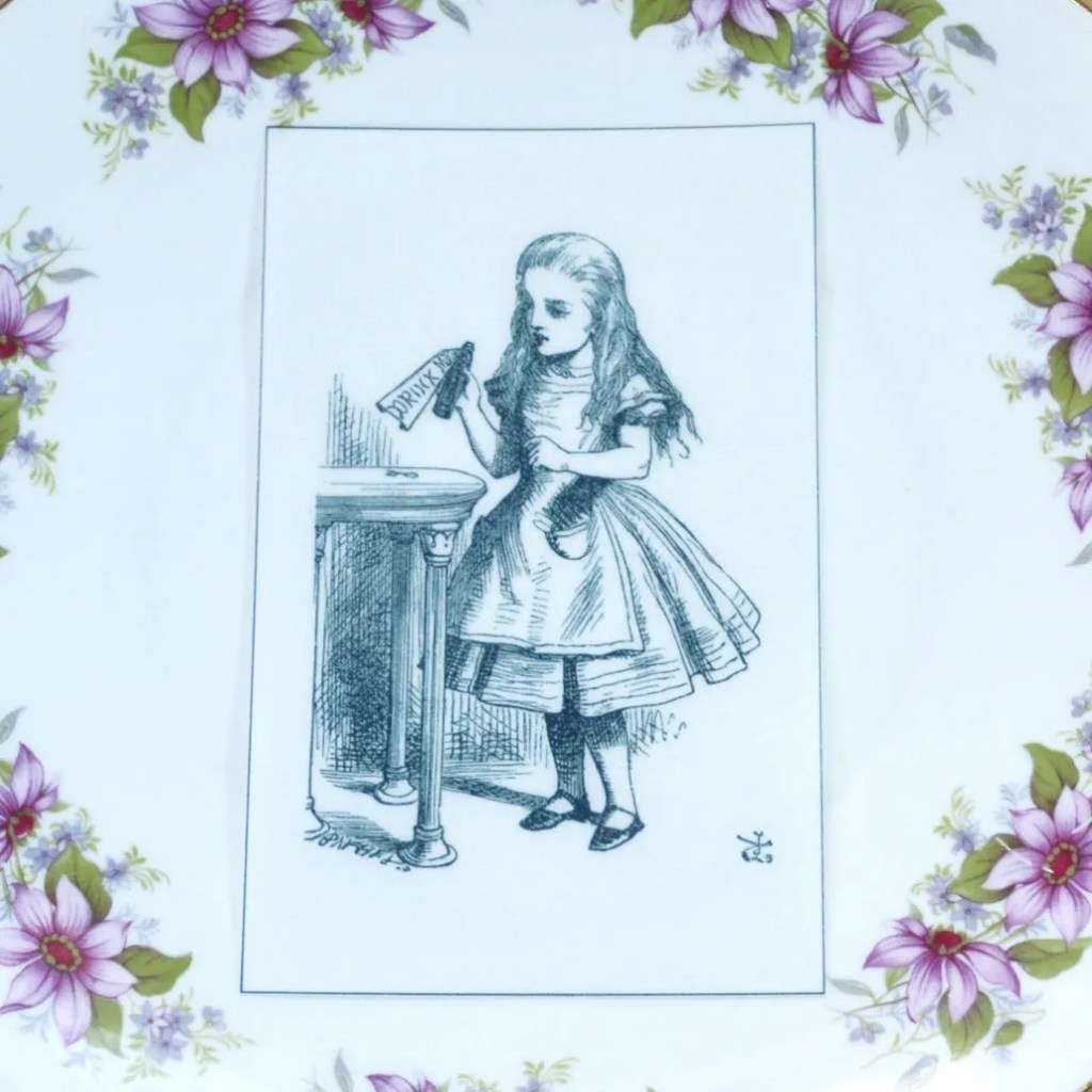 Wickstead's-Eat-Me-Edible-Black-&-White-Alice-in-Wonderland-Illustrations-Alice-Bottle
