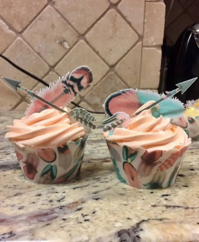 Wickstead's-Customer-Photo-of-our-Edible-Cotton-Candy-Feathers,-arrows-&-100%-Edible-Cupcake-Wrappers-(1)
