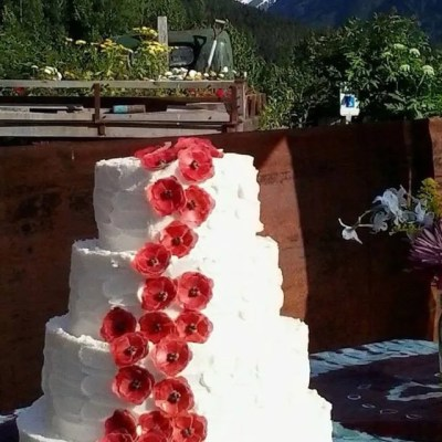 Wickstead's-Eat-Me-Customer-Photo-Poppy-Cake