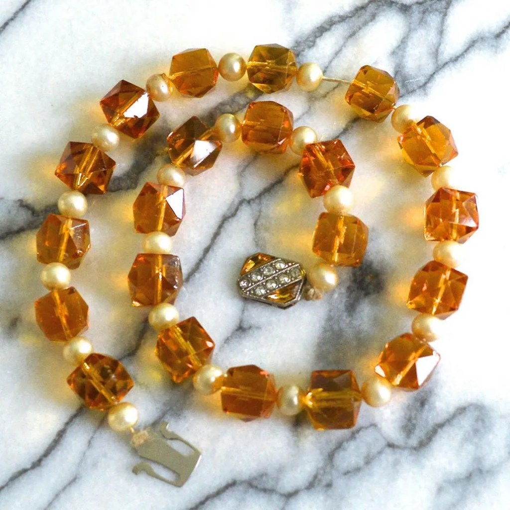 Wickstead's-Jewels-&-Treasures-Art-Deco-Soft-Amber-Crystal-Beads-and-Faux-Pearls-Necklace-(2)