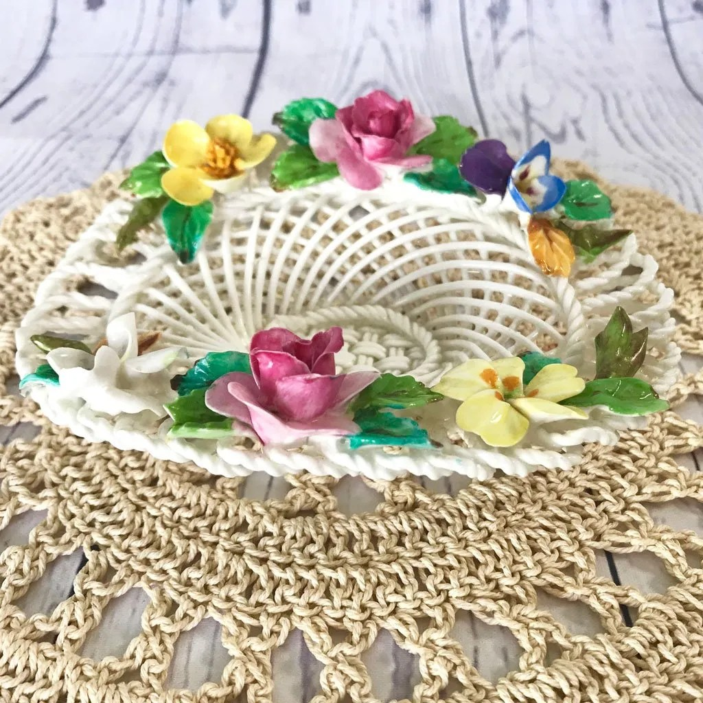 Small-Crown-Staffordhsire-Flower-Basket-(2).jpg
