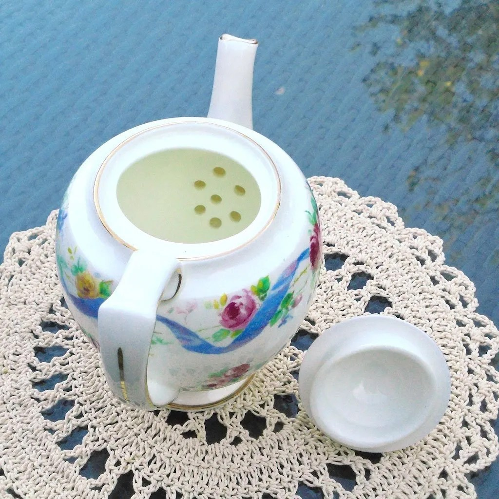 Wicksteads-Home-&-Living-Royal-1930s-Doulton-RoseTime-Small-One-Person-Teapot-(4)-