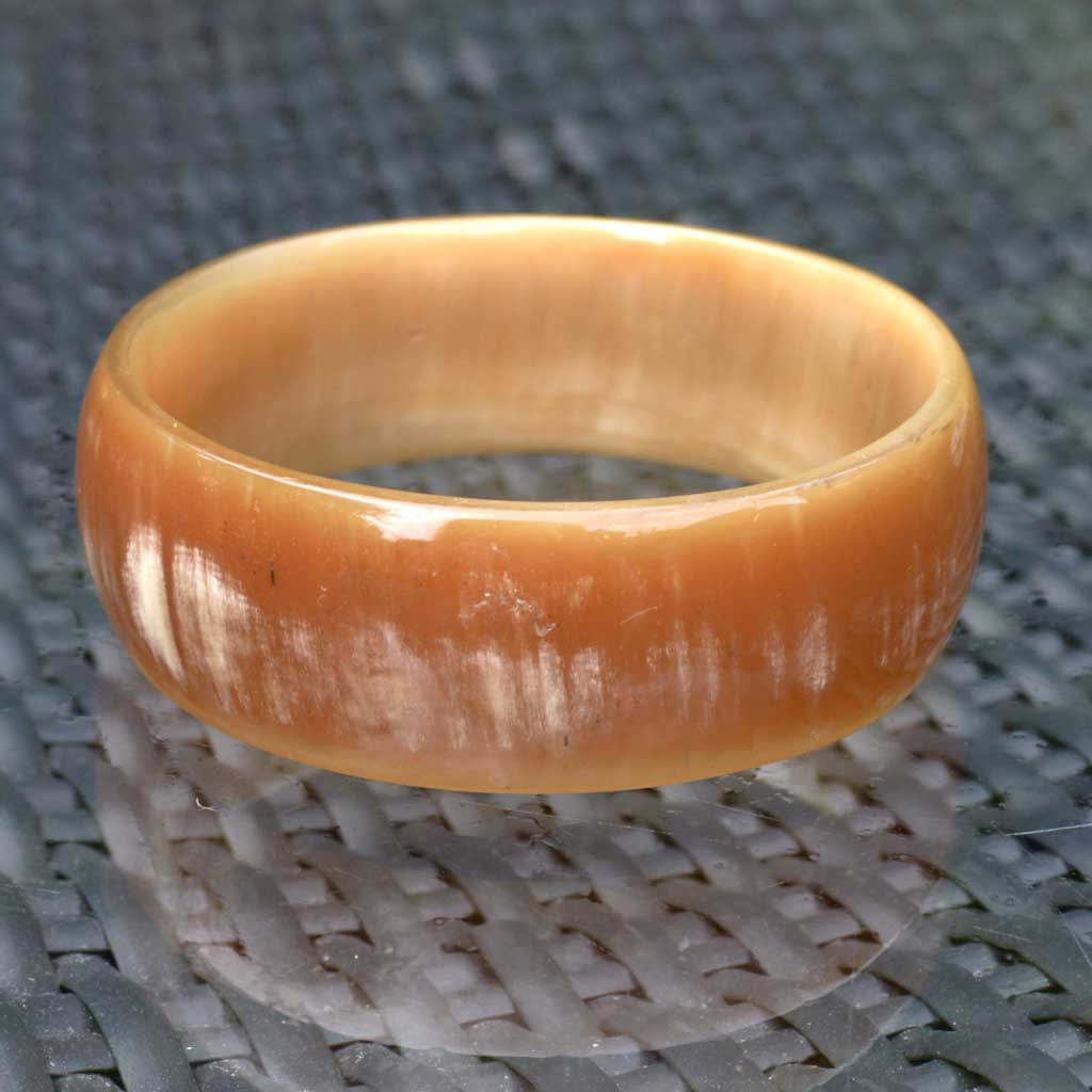 Wicksteads-Jewels-and-Treasures-Vintage-Lucite-Bangle-Faux-Horn-(3)