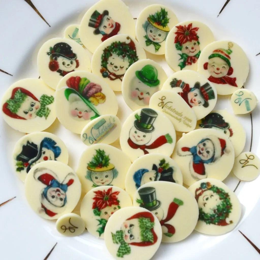 Wickstead's-Eat-Me-Edible-Chocolate-&-Meringue-Transfer-Sheets–Snowmen-&-Snowwoman-Faces-(2)