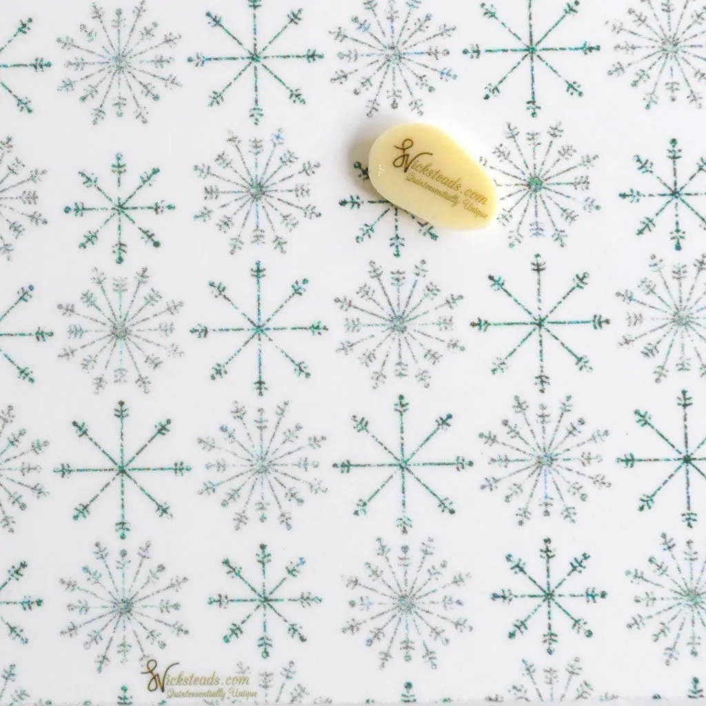 Wickstead's-Eat-Me-Edible-Meringue-&-Chocolate-Transfer-Sheets–Winter-Wonderland-Twinkling-Frozen-Ice-Snowflakes-Chintz-(1)