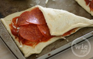 Crescent Pizza Pocket Fold 1