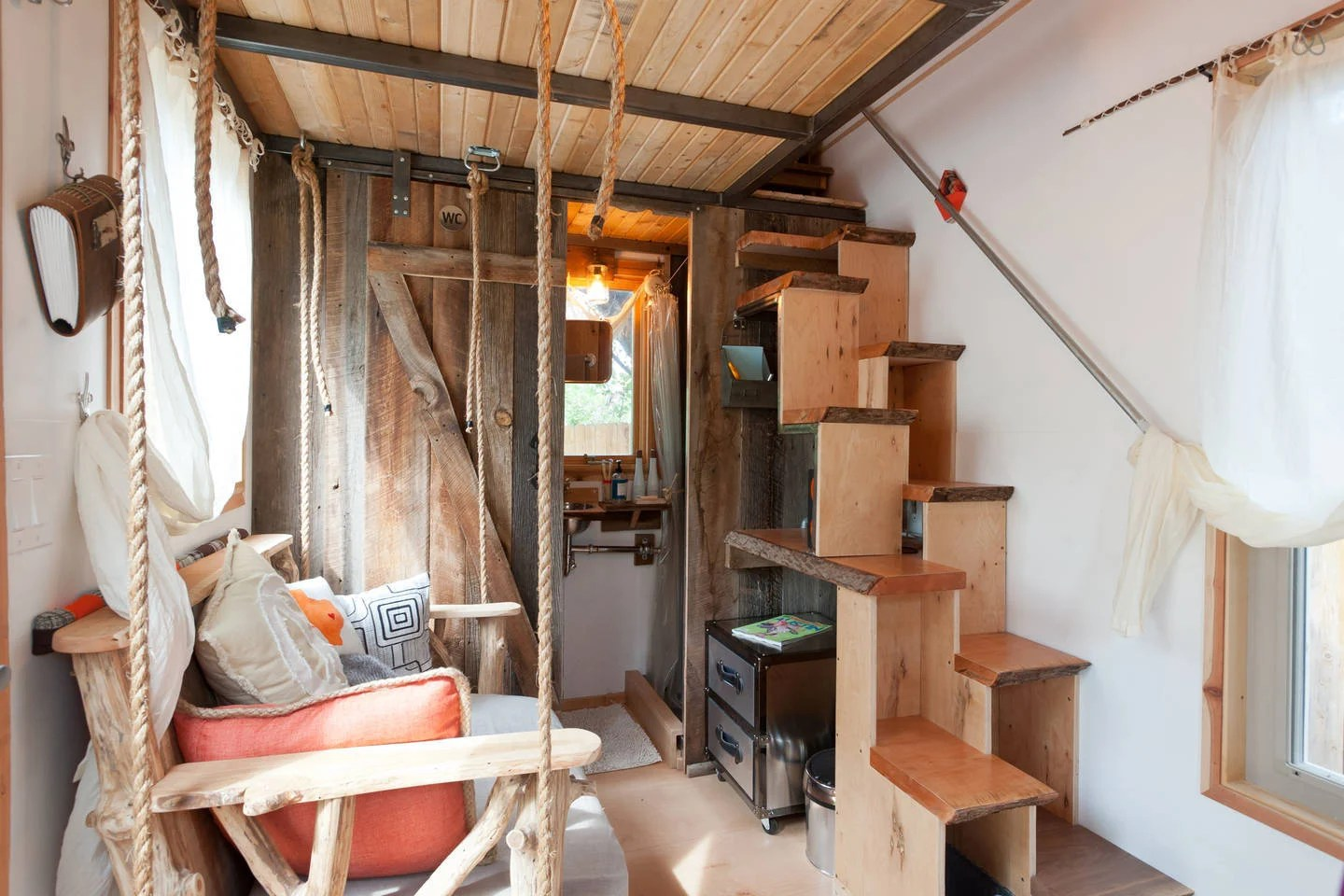Hip-East-Side-Tiny-Pad-Interior