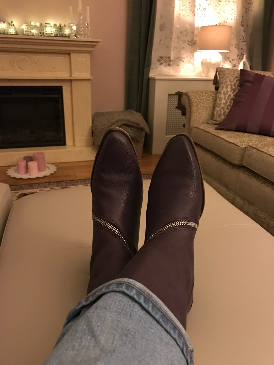 Totally gratuitous shot of new boots about to worn out to their first official function.