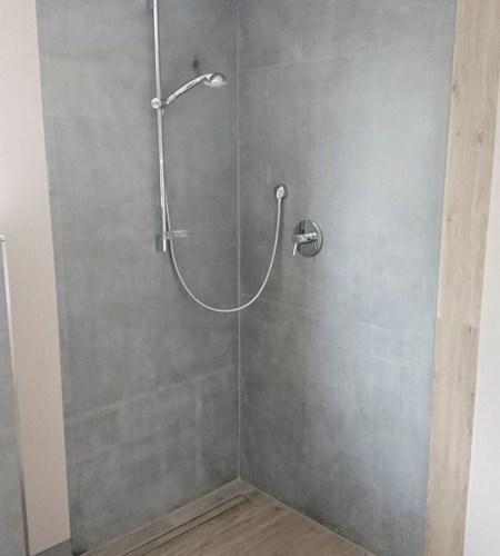 Privatbad Betonplatte im Duschbereich, Durchgehend, Fugenlos - Designerfliese hochwertige Arbeit aus Würzburg