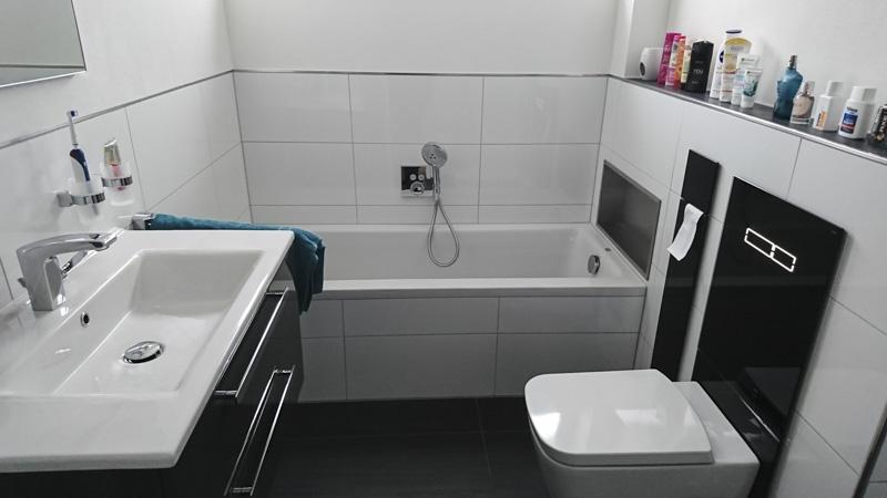 Privates Badezimmer schwarz/weiß - Wieczorek Fliesen