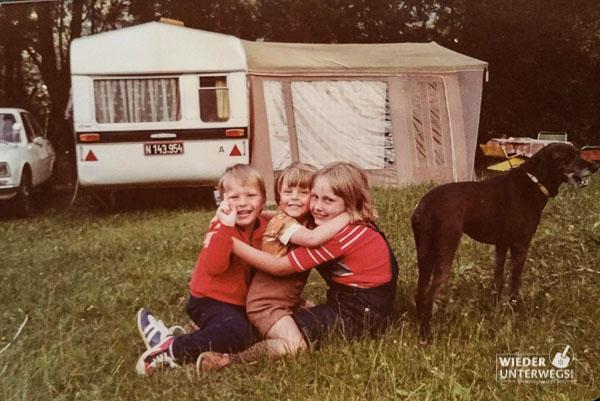 Camping mit Wohnwagen FELIX am Putterer See 1978.