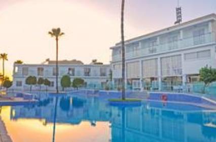 Hotel Fedrania Gardens