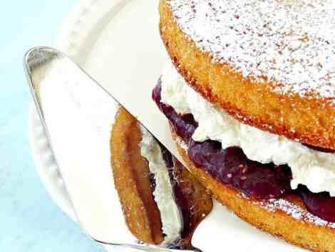 victoria sponge cake | wife in progress