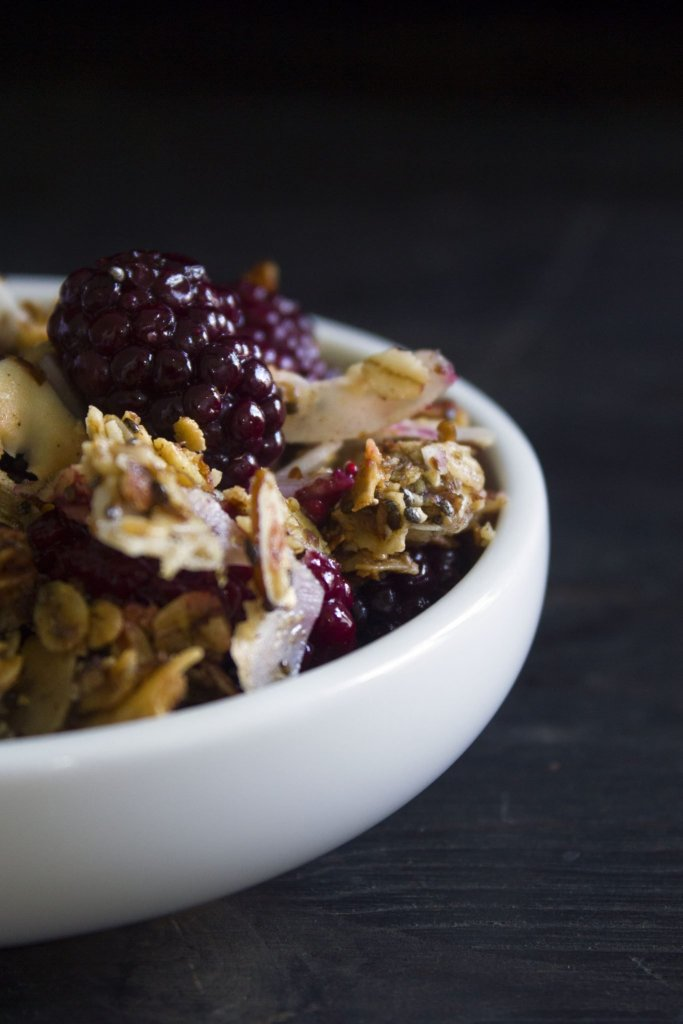 Berry Breakfast Crisp | Gluten, dairy, refined sugar free, & vegan friendly