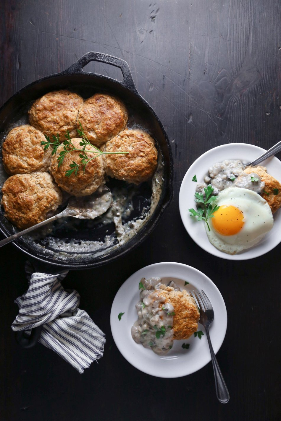 Biscuits and Gravy Breakfast Skillet | Wife Mama Foodie