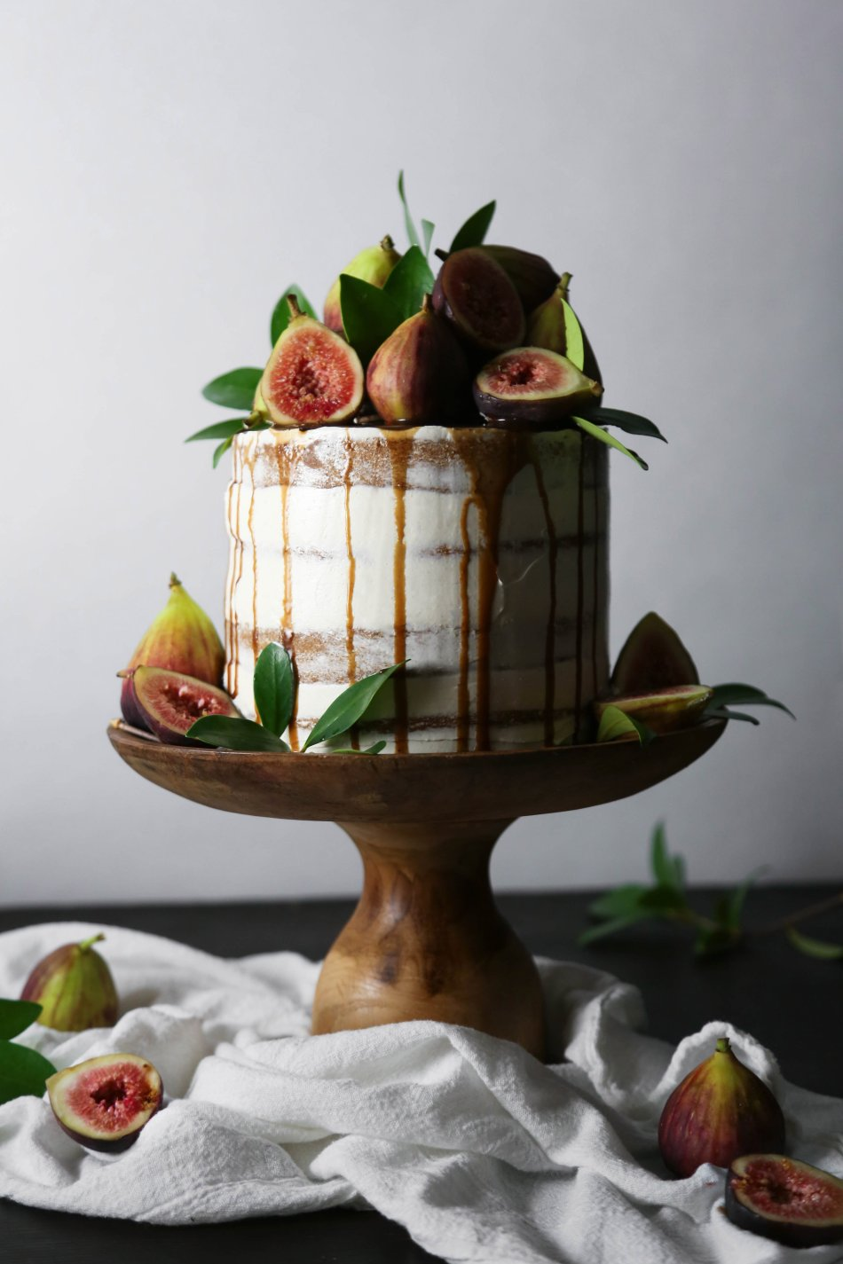 Chai Spiced Cake with Figs | Wife Mama Foodie