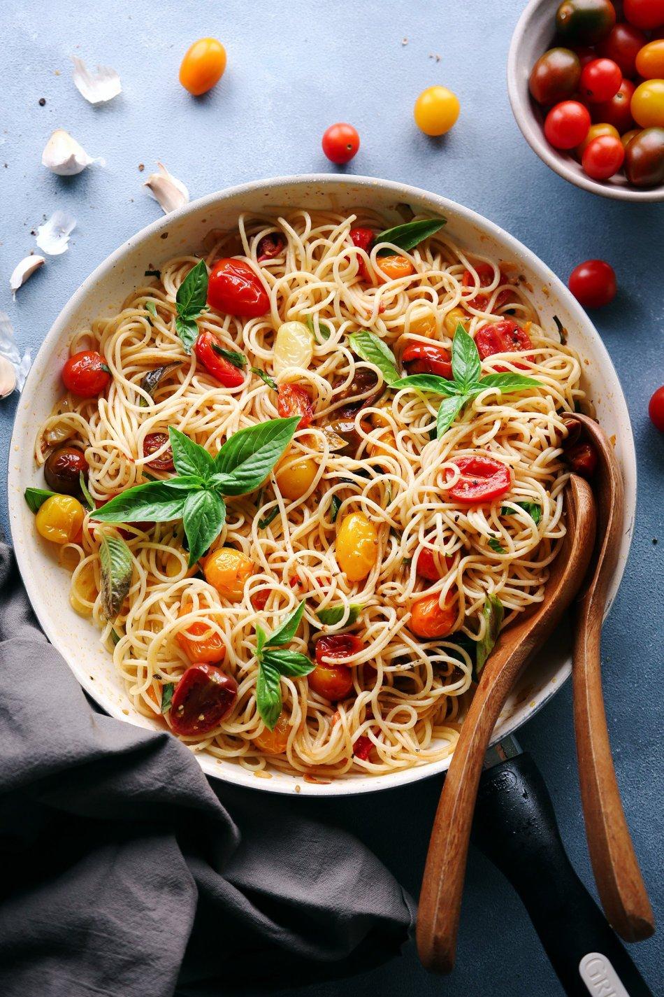 Fresh Tomato and Basil Pasta | Vegetarian with Vegan and Gluten-Free Option