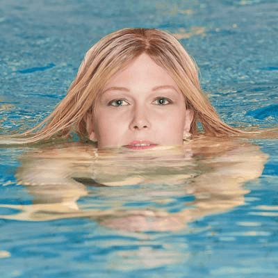 Swimming-in-a-Wig-3