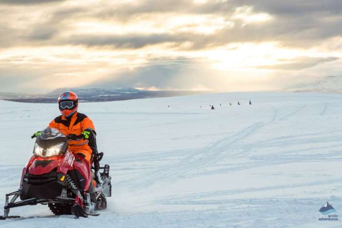 Glacier Snowmobile – From Gullfoss