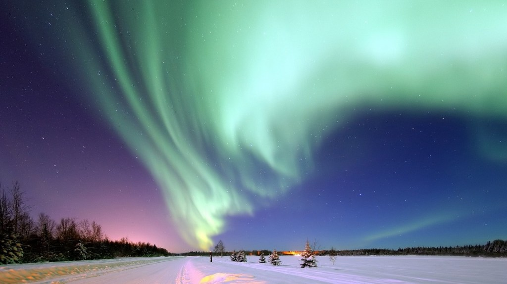 northern lights in Iceland, aurora borealis, Iceland northern lights hotels