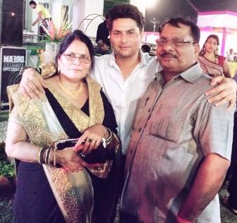 kuldeep-yadav-family-father-mother