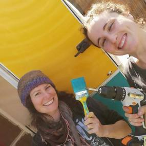 wiki-hostel-crew-2019-pantasema-rosalie-aileen
