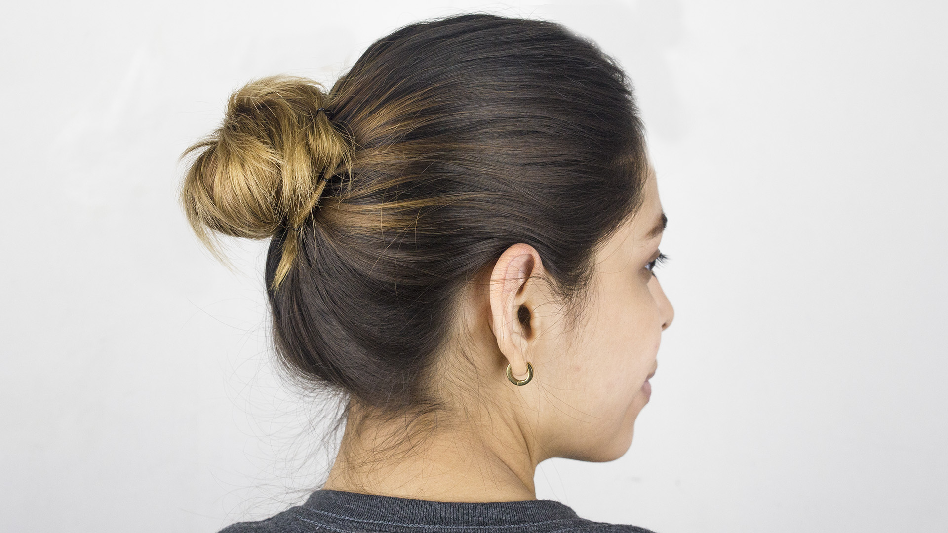 How to Make a Simple Bun in Hair 9 Steps with