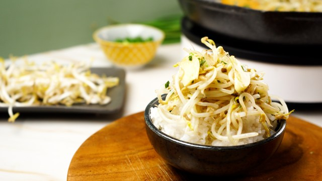 12 Ways to Cook Bean Sprouts - wikiHow