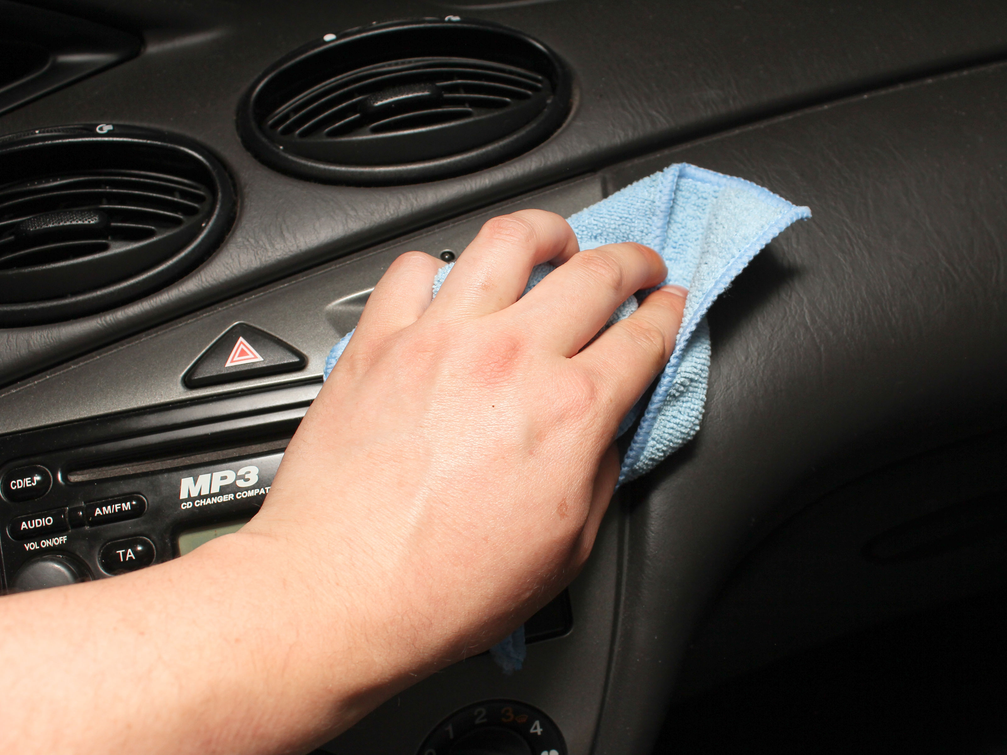 4 Ways To Remove Grease And Oil From A Cars Interior