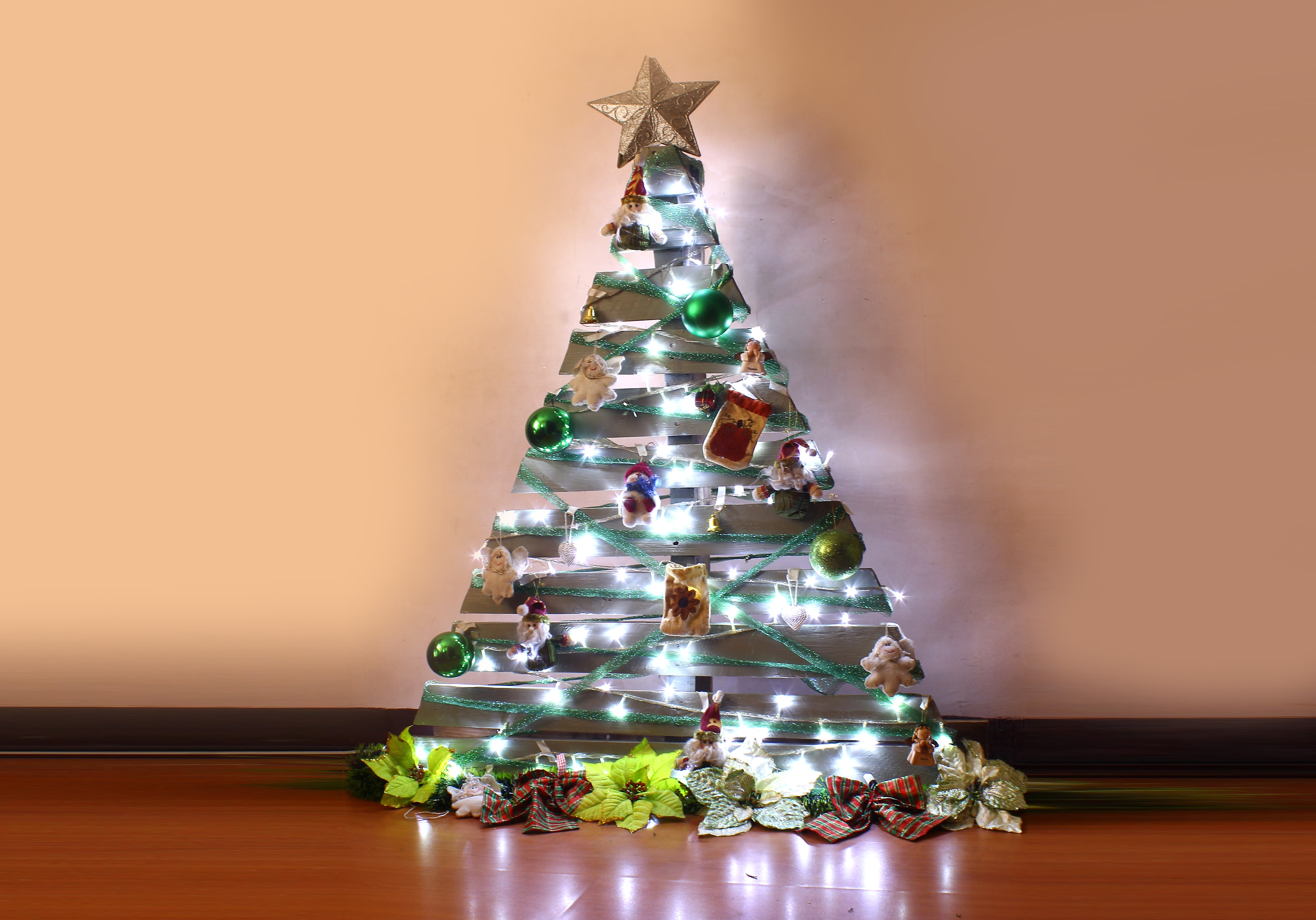 How To Make A Pallet Christmas Tree With Pictures WikiHow