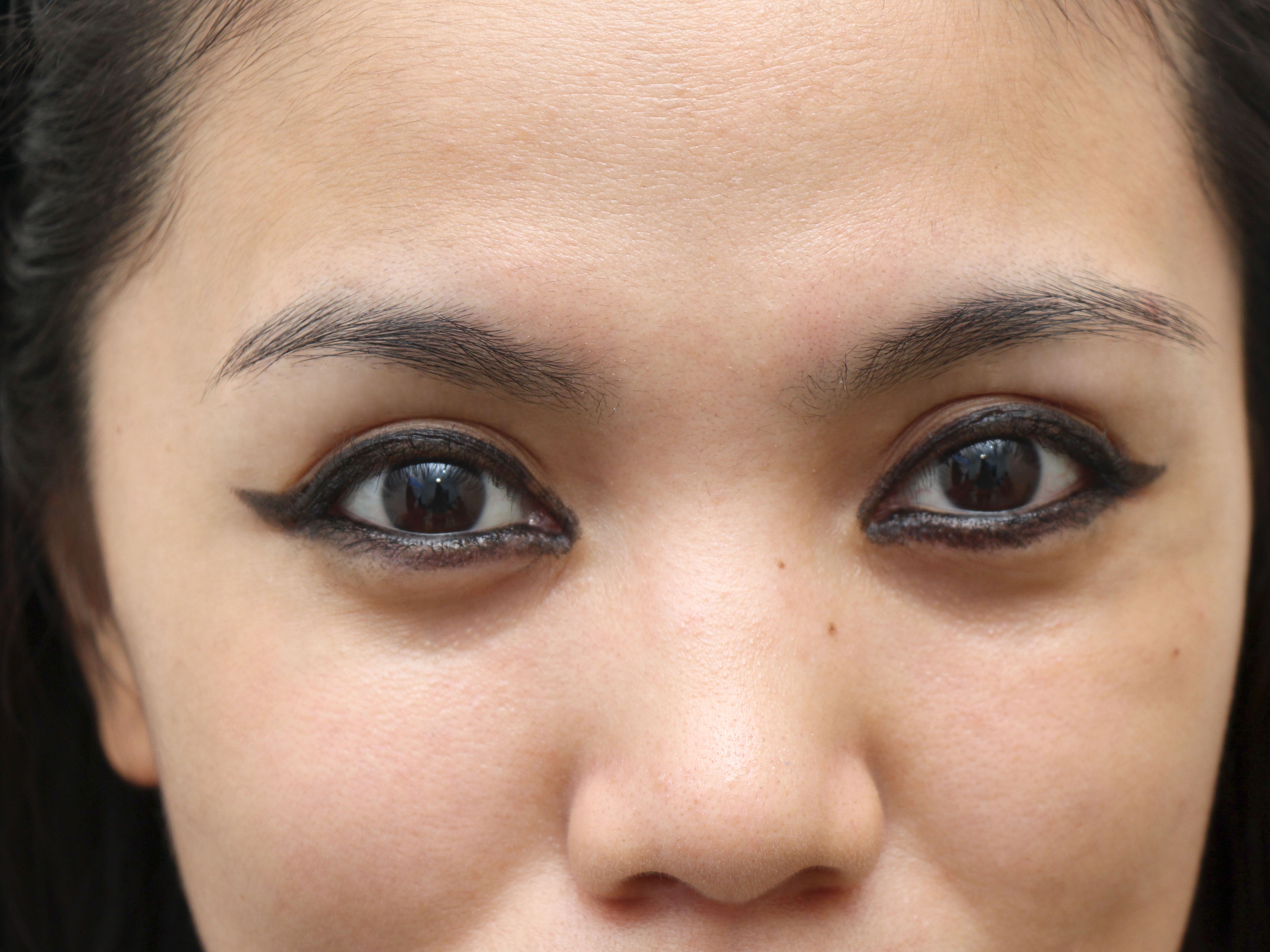 How To Apply Eyeliner Around The Entire Eye 11 Steps