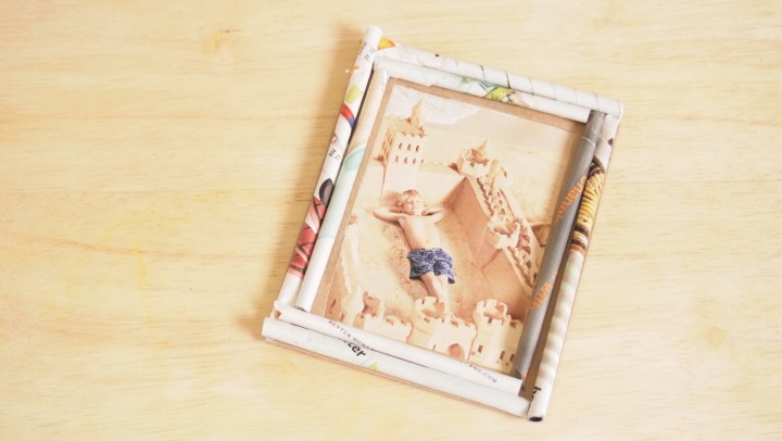 How To Make Photo Frame Stand With Cardboard | Frameswall.co