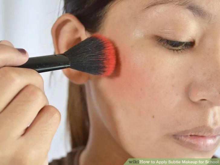 Изображение под названием нанесите тонкий макияж для школы Шаг 8