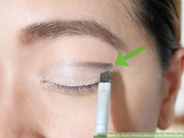 Изображение под названием нанесите натуральный макияж для карих глаз Шаг 5