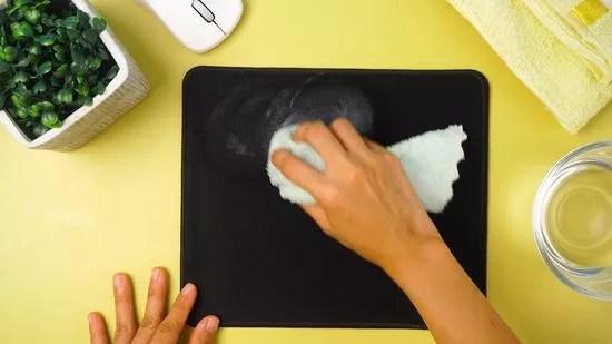 comment nettoyer un tapis de souris 5