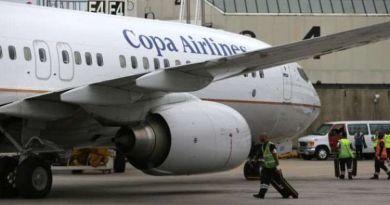 Seorang Remaja Buka Pintu Darurat Dan Lompat Dari Kabin Pesawat