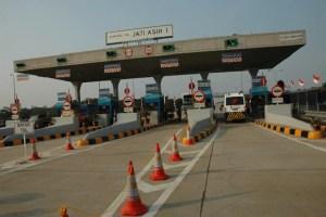 Semua Gerbang Tol Akan Gunakan Transaksi Elektronik